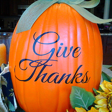 Thanksgiving Party Crafts: Give Thanks Vinyl Decals #PreppyPlanner
