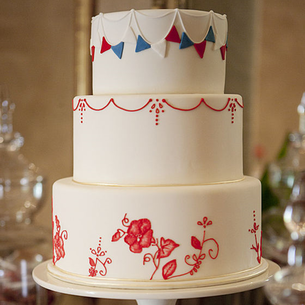 Red, White & Blue Wedding: Elegant wedding cake with decorative colored icing #PreppyPlanner