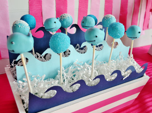 adorable whale pops perfect for any preppy pool party @thepartywagon #PreppyPlanner