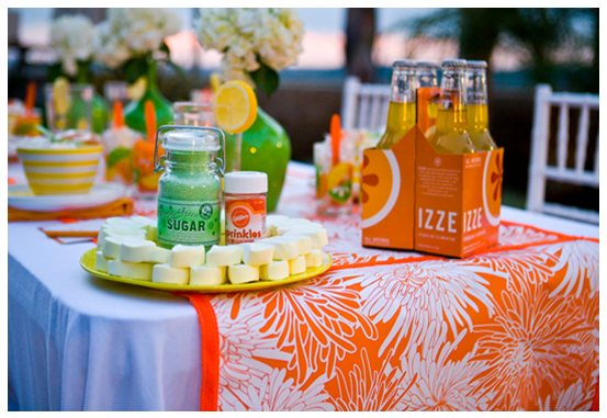 create your own table runner with these easy DIY instructions #PreppyPlanner