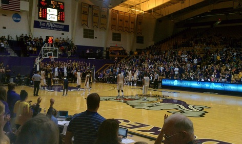 JMU Weekend: Can't beat going to a great JMU Men's basketball game when in town! #PreppyPlanner