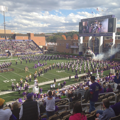 Football Season Photo Diary: ready to watch the Dukes enter Bridgeforth Stadium ready to play #PreppyPlanner