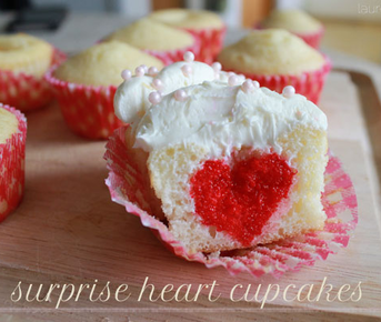 Surprise Heart Cupcakes from #LaurenConrad #PreppyPlanner