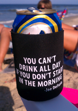enjoying some fun on the beach using a great koozie created by the great folks at Free Agents Marketing #PreppyPlanner
