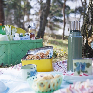 Summer Party Ideas: Organize an outdoor picnic #PreppyPlanner