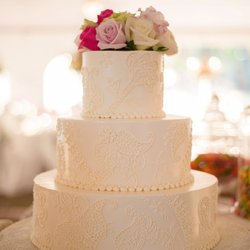 Wedding Traditions: The Wedding Cake #PreppyPlanner
