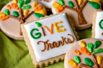 Give Thanks: put together a small bag of treats to give to those that you are thankful for #PreppyPlanner