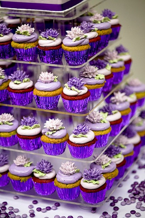 A Purple Wedding: use varying shades of purple when it comes to picking out your dessert options like these purple cupcakes #PreppyPlanner