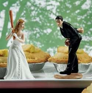 The perfect baseball wedding cake topper #PreppyPlanner