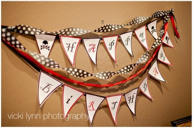 create your own party banner for a pirate themed party #PreppyPlanner