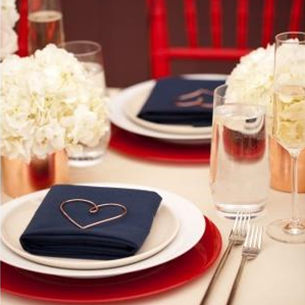 Red, White & Blue Wedding: Use reds and blues to a basic white table scape for this patriotic wedding #PreppyPlanner