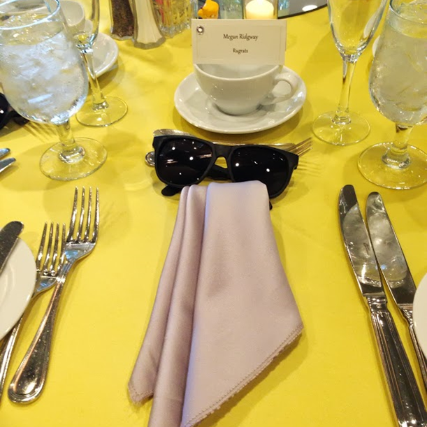 A Wedding Weekend: yellow and gray table setting #PreppyPlanner