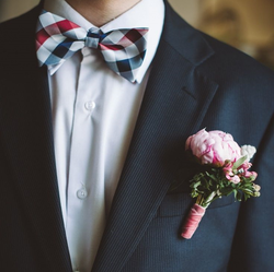 Wedding Traditions: The Groom's Boutonniere #PreppyPlanner