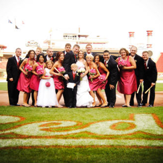 Host your baseball themed wedding at a ball park #PreppyPlanner