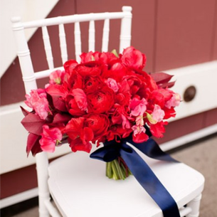 Red, White & Blue Wedding: Design a bouquet with different flowers all the same color #PreppyPlanner