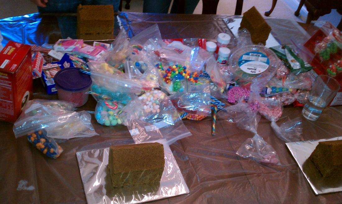 2012 Christmas Recap: Have tons of candy to decorate our gingerbread houses #PreppyPlanner